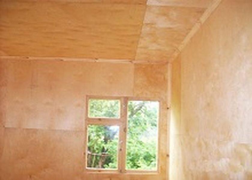 Обшивка стен дома фанерой