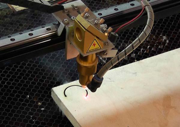Станок для лазерной резки фанеры